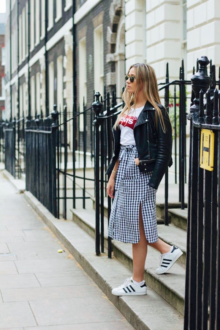 OUTFIT DETAILS AS ABOVE SUNGLASSES - RAYBAN