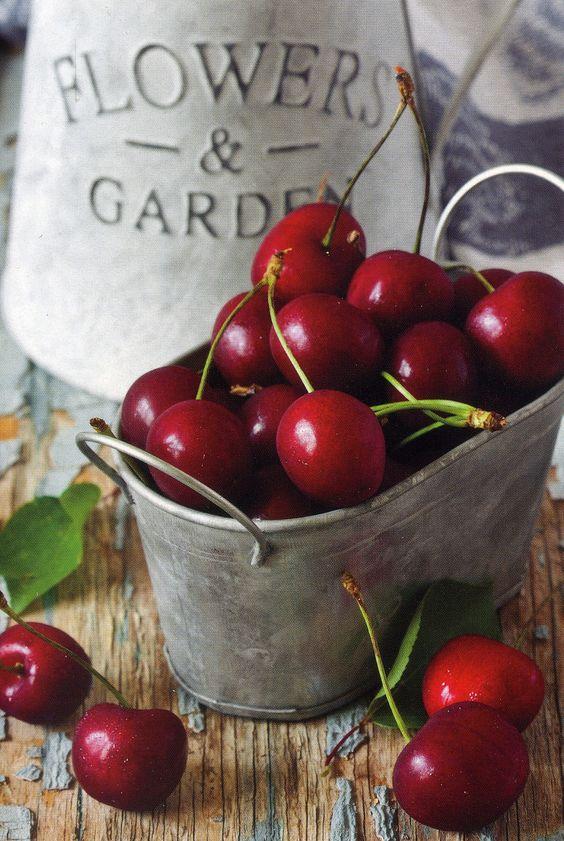 Cherry Tin.jpg