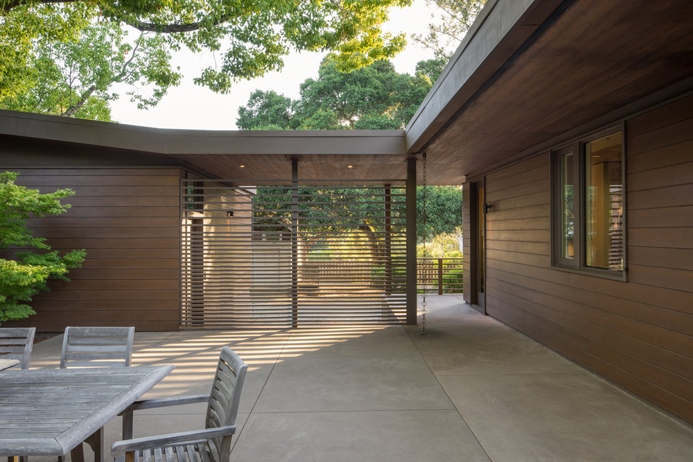 Residential architecture - Exterior courtyard and dining area