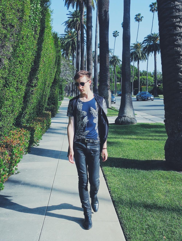 Zara t-shirt - Reclaimed Vintage waistcoat - Asos jeans - Wavvse sunglasses - Zara belt - Zara ankle boots
