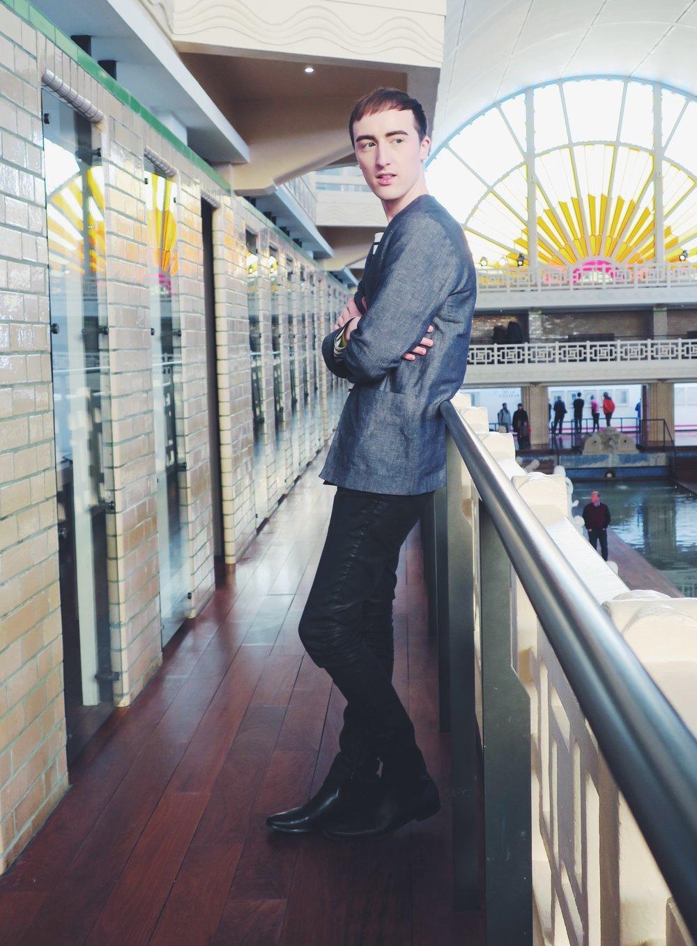 Cos vest - Cos t-shirt - Zara jeans - Zign ankle boots via Zalando