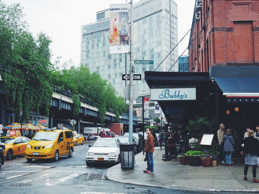 Bubby's is literally located in front of the South entrance of the High Line