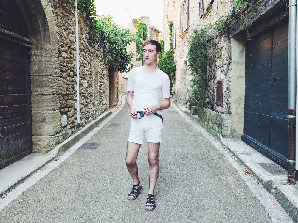 Essentiel t-shirt - Topman shorts - Asos belt - Zara sandals - Komono sunglasses