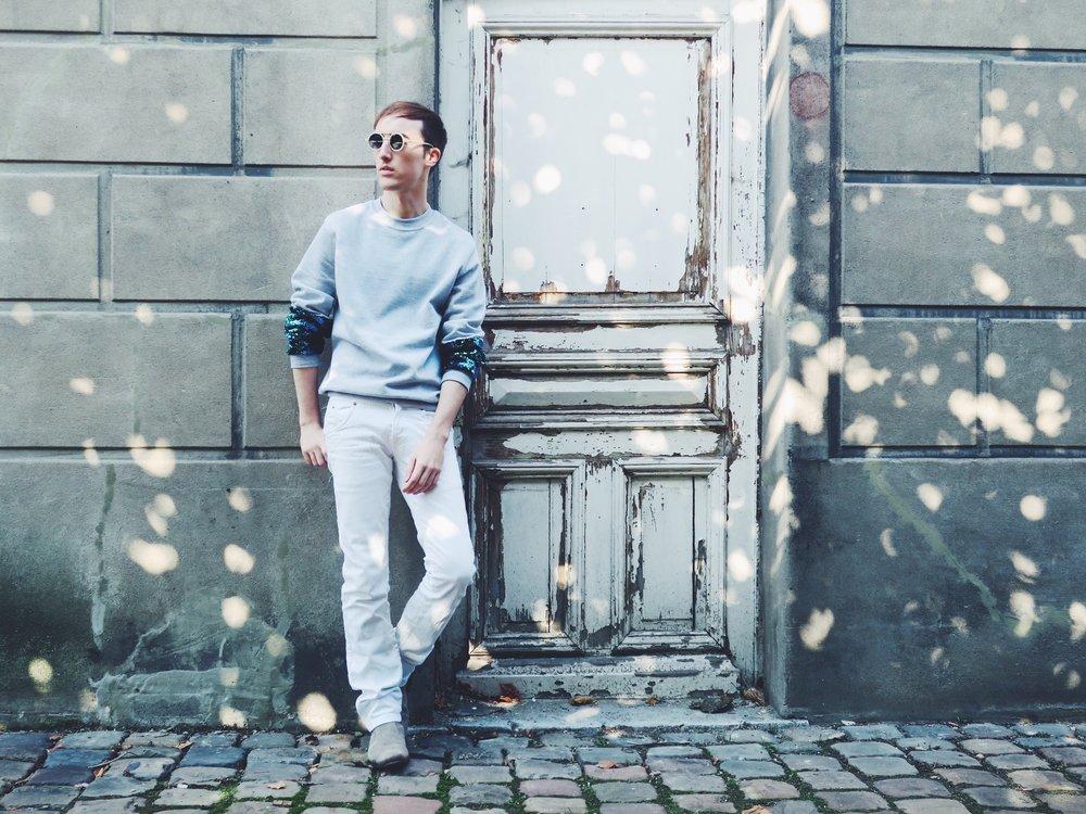 SÉ-ACH sweater - Zara jeans - Zign boots - Komono sunglasses