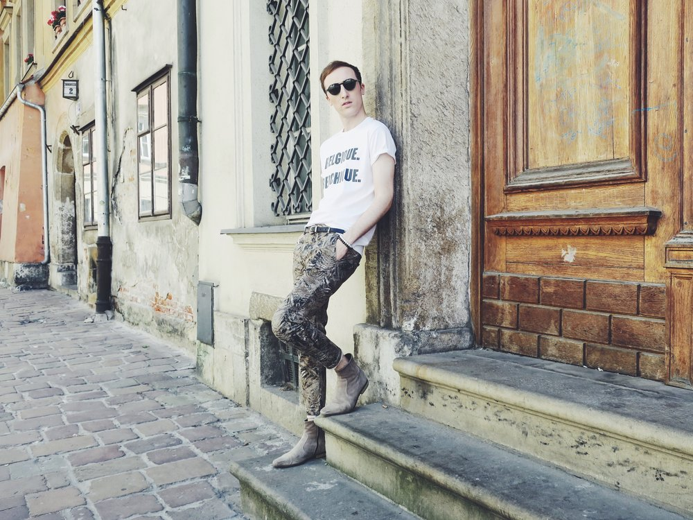 O'Rèn t-shirt - Zara trousers - Zign boots - Komono sunglasses