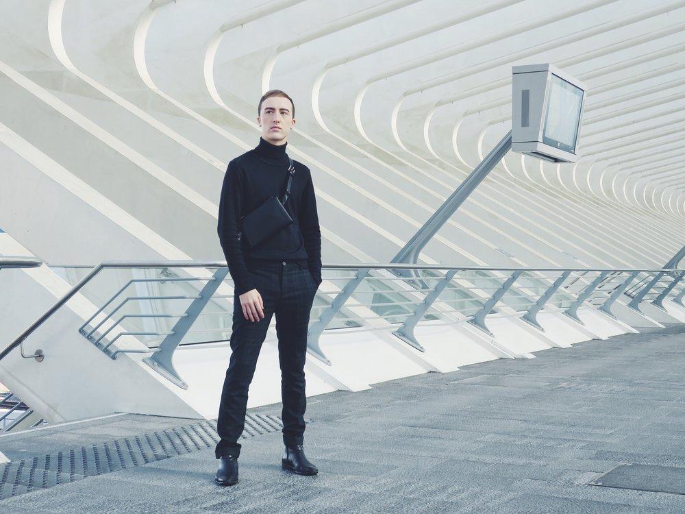 DIGEL Move turtleneck - Pier One trousers via Zalando.com - COS belt bag - Sacha ankle boots
