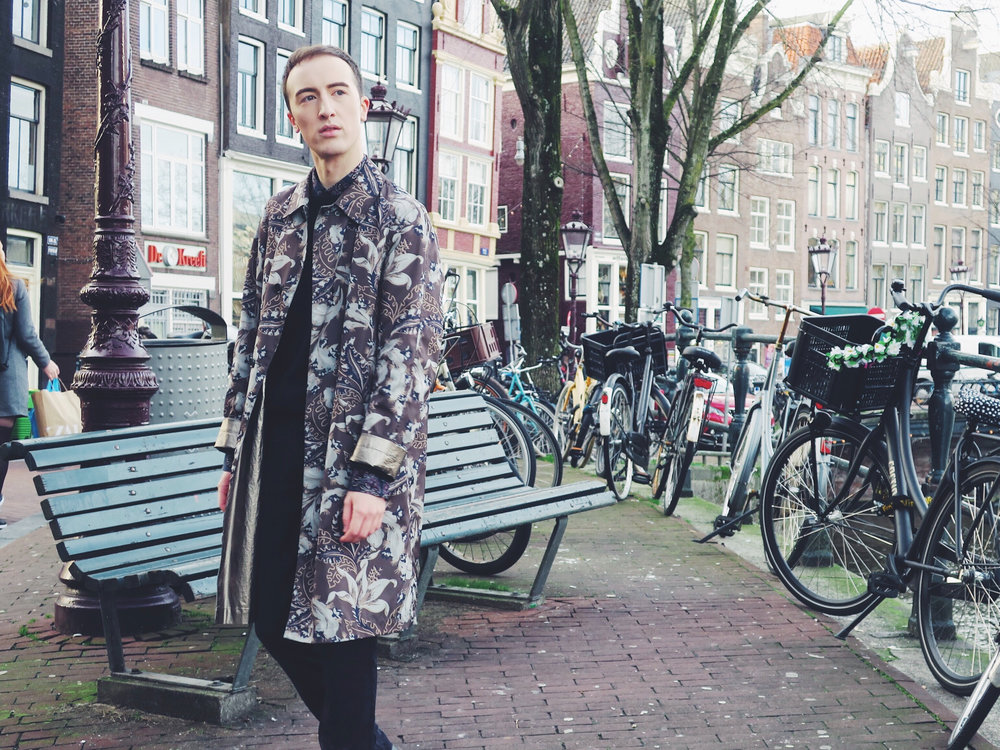 A day in Amsterdam • The essence