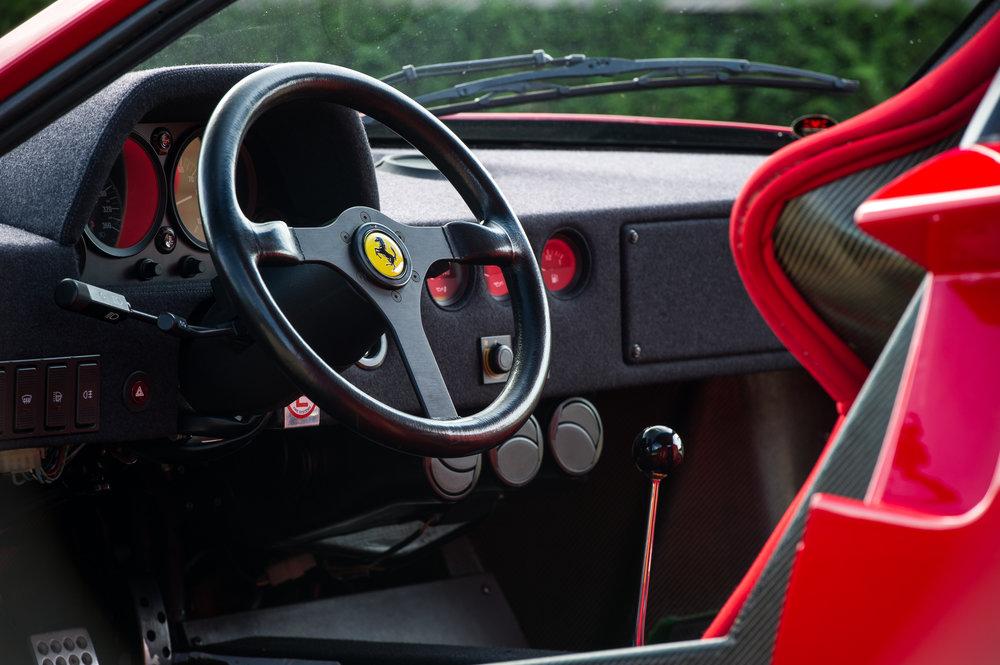 Ferrari F40 (24).jpg