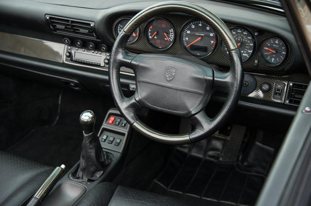 Porsche_993_cabriolet_8.jpg