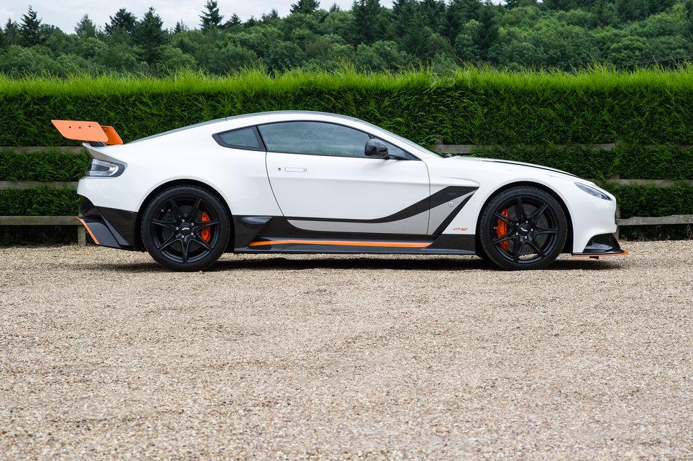 Aston_Martin_3.jpg