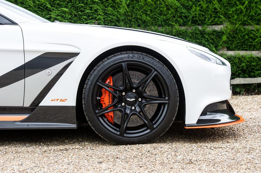 Aston_Martin_7.jpg