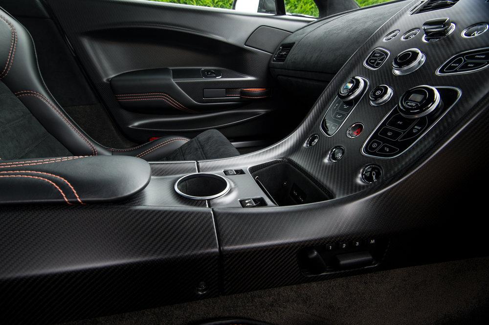 Aston_Martin_14.jpg