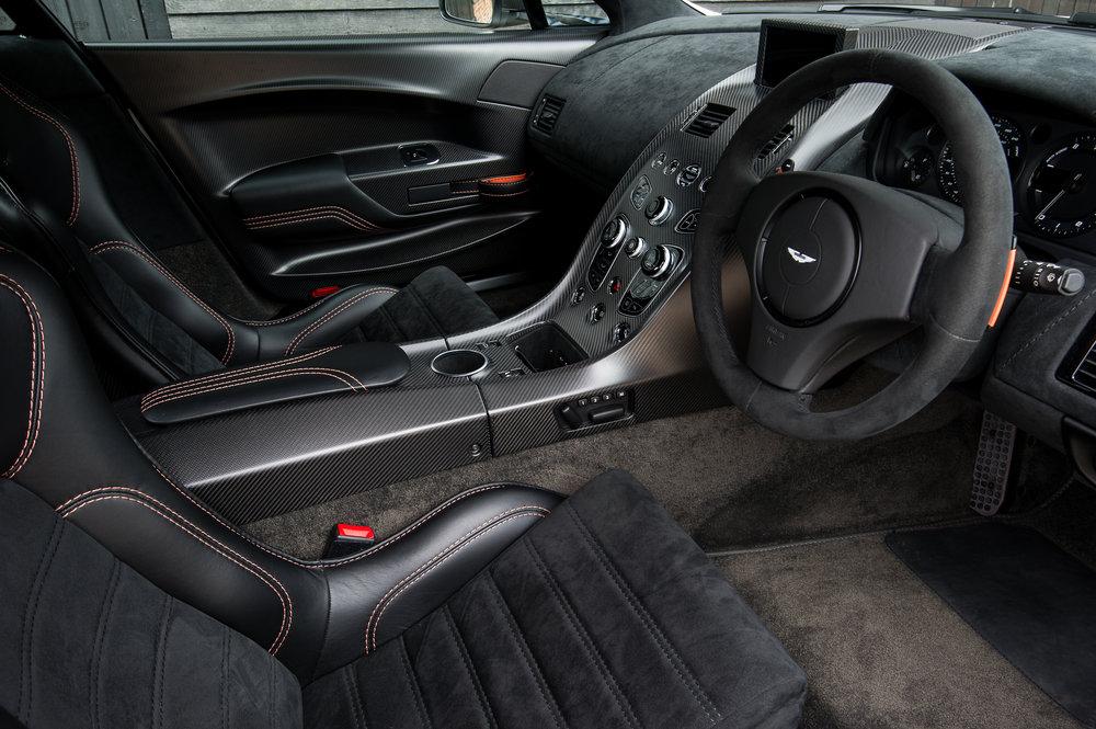 Aston_Martin_18.jpg