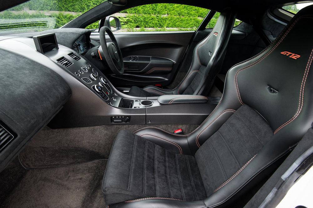 Aston_Martin_20.jpg
