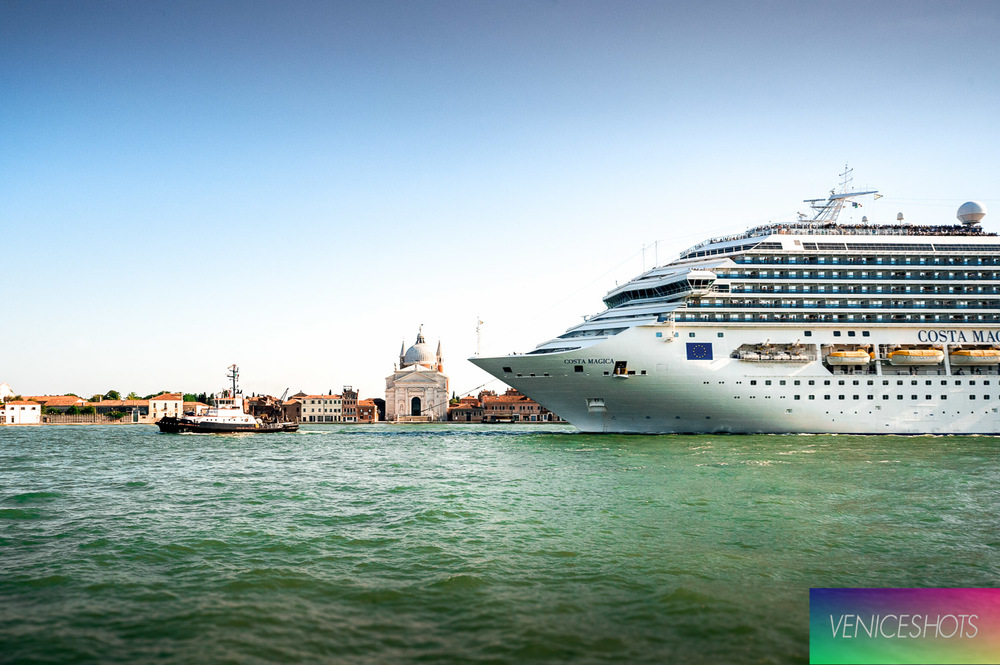 Cruise ship in Venice_@Claudia Rossini_copyright Claudia Rossini VeniceShots.jpg