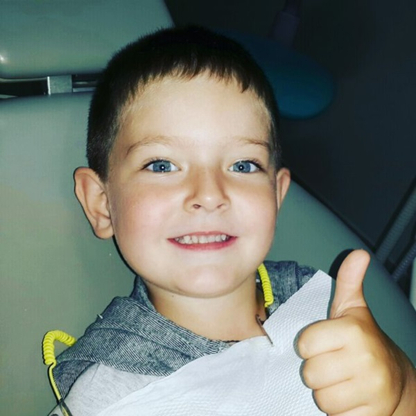 Дуже чемний чотирирічний хлопчик Петрусь мріяв про гарну усмішку — і отримав її :)