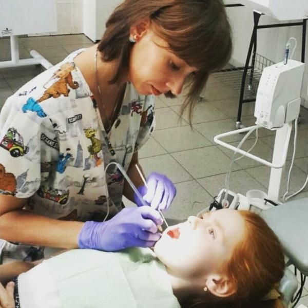Наші дітки зовсім не бояться знеболювання, яке проводиться комп'ютеризованою системою анестезії: без шприца, без болю, без страху.