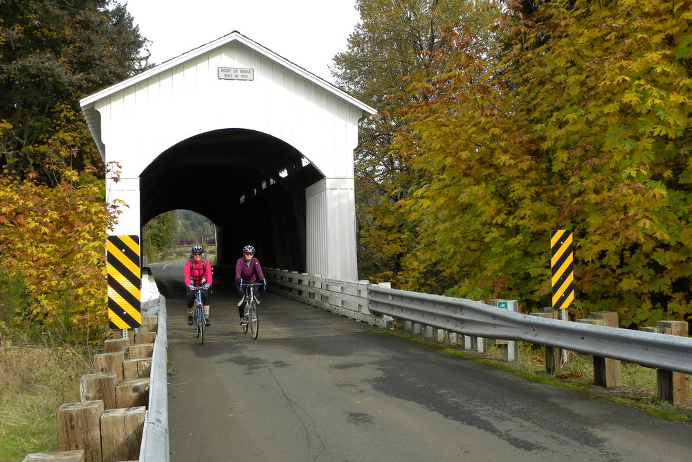 Covered Bridges Scenic Bikeway. Photo courtesy of Oregon Parks and Recreation Department.