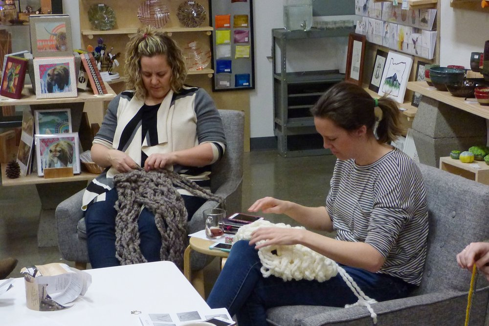 arm_knitting_workshop_perks_of_art