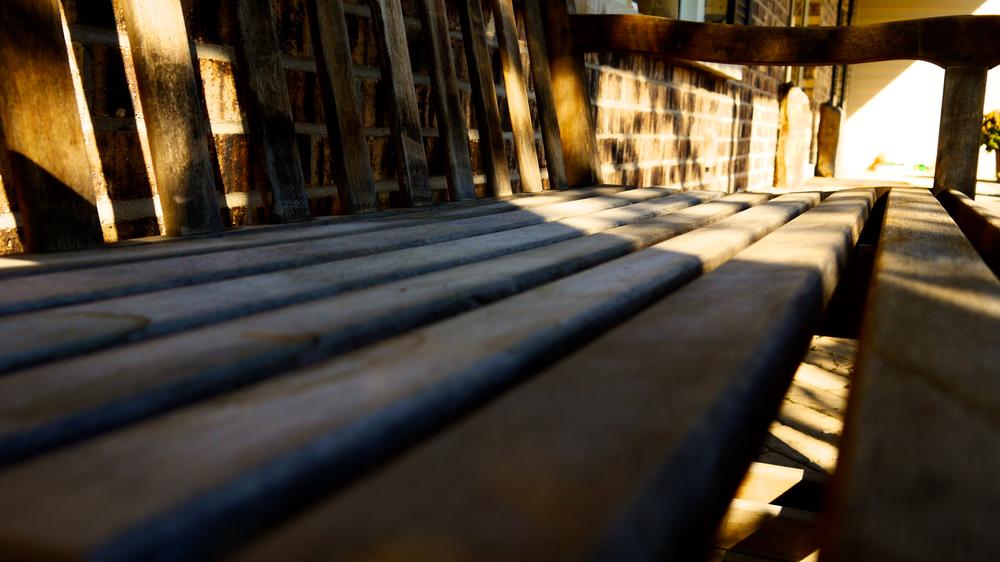 p1000430-bench.jpg