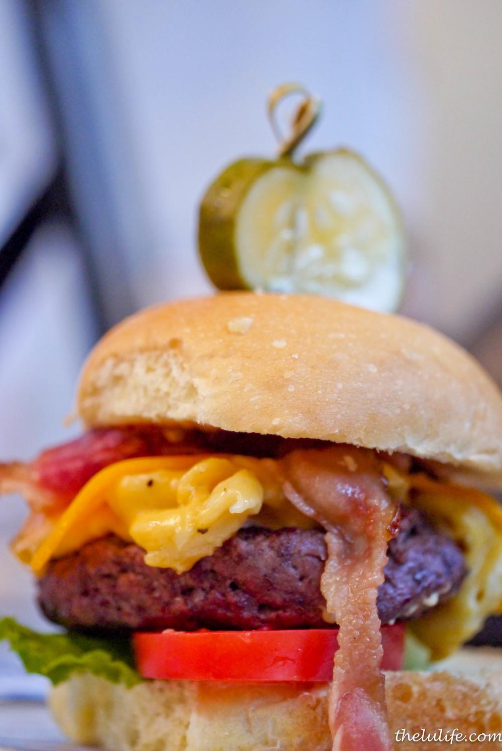 p1100248-standard-bar-and-grill-mac-n-cheese-burger.jpg