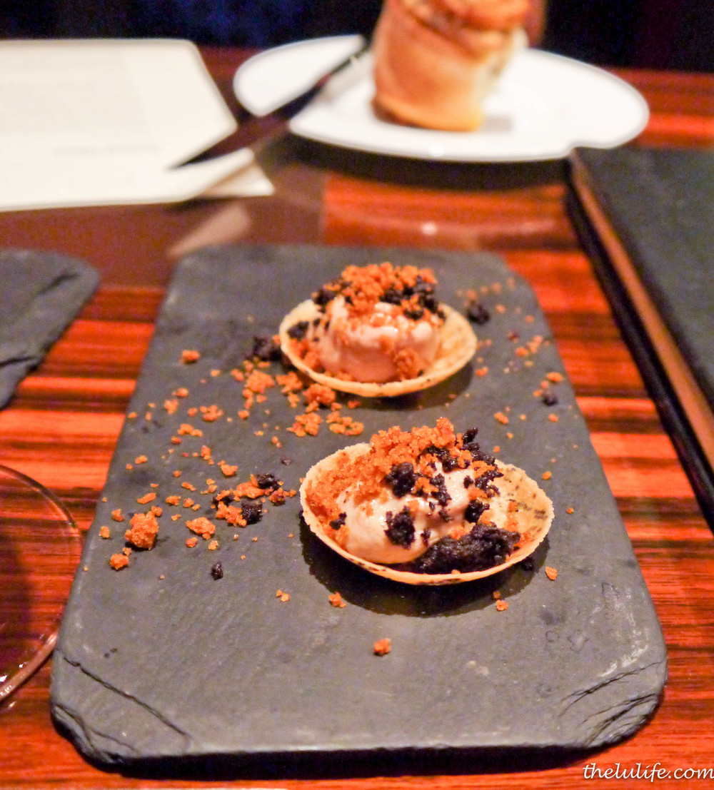Poppyseed pastry with chicken liver puree