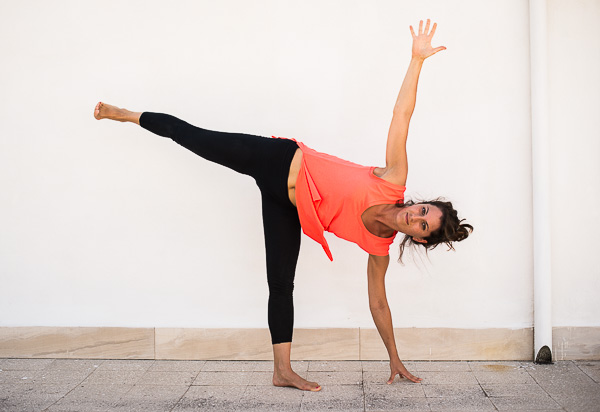 Yoga ARDHA CHANDRASANA (MEZZA LUNA)