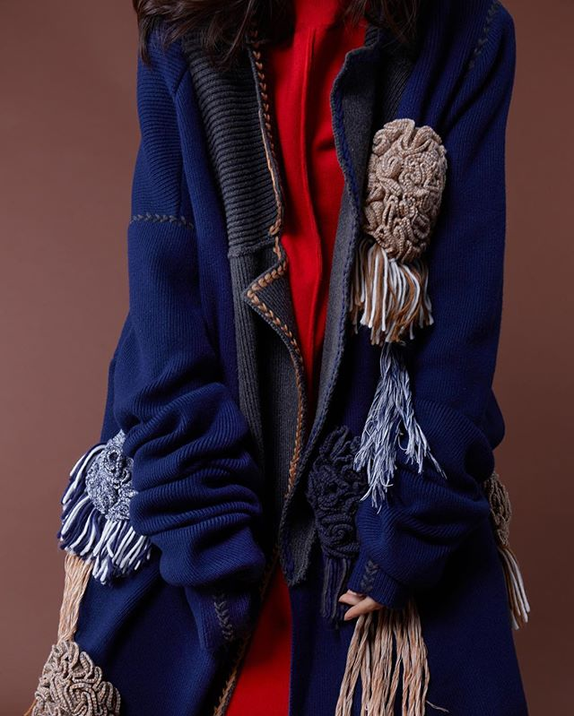 disenadores-chinos-moda-helenlee-abrigo.jpeg