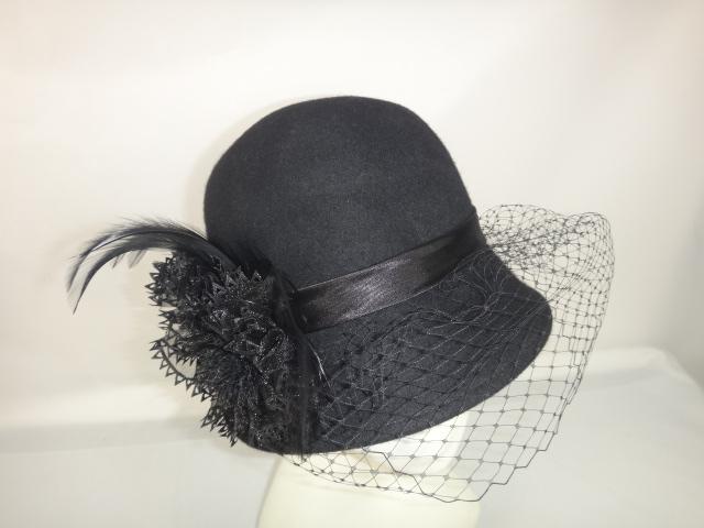 lily-sombrero-negro.JPG