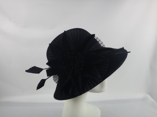 lily-sombrero-casual.JPG