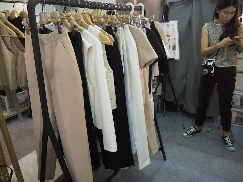 emprendedores-moda-tailandesa-lanlalin-ropa.JPG