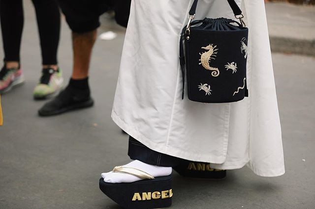 sandalias-japonesas-angel-chen-paris.jpeg
