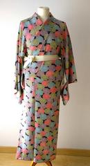 tiendas-japonesas-online-ropa-kimono.png