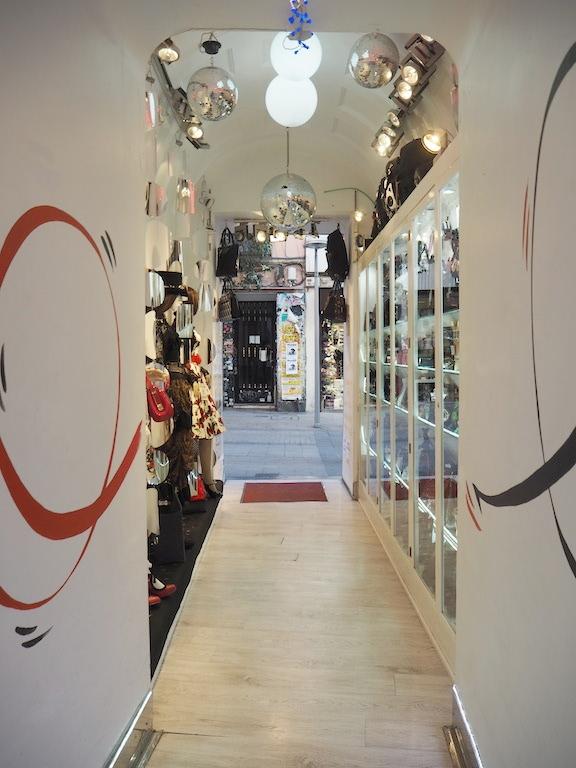 ropa-japonesa-madrid-canovas-tienda.JPG