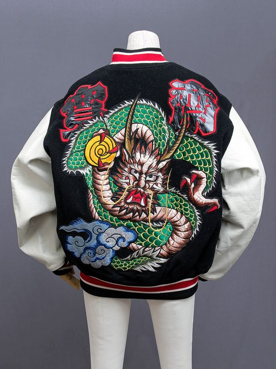 disenadores-moda-japoneses-kansai-yamamoto-chaqueta.jpg