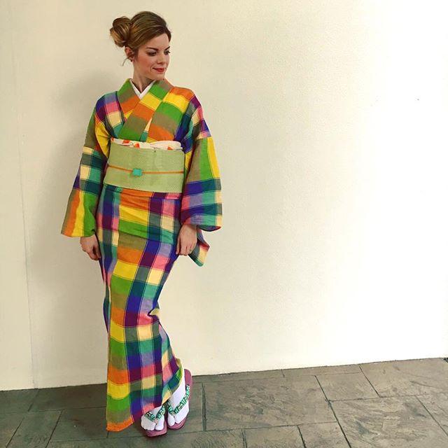 kimono-mujer-ropa-japonesa.jpg