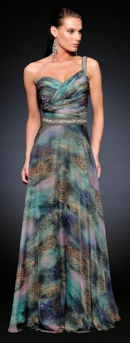 vestidos-fiesta-largos-elegantes-asimetrico-brillante.jpg