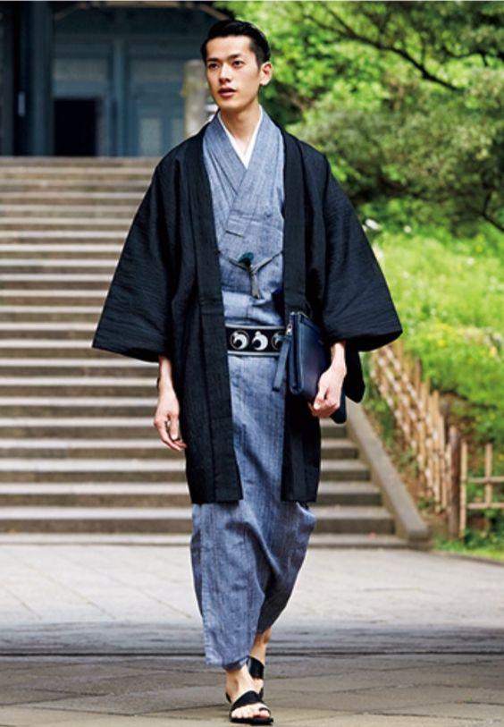 yukata-hombre-chaqueta-azul.jpg