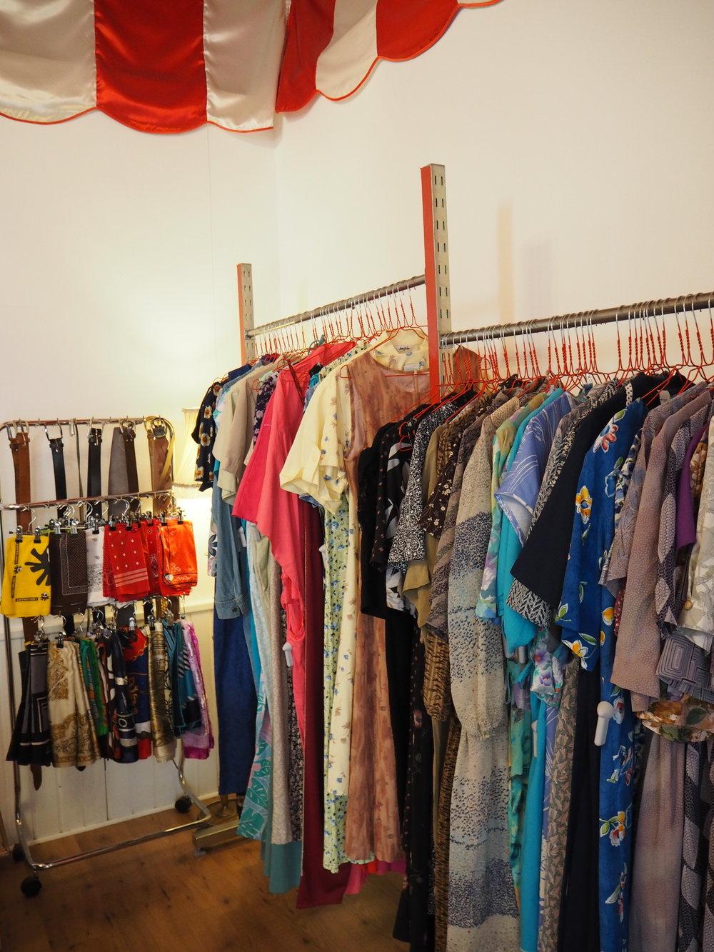 tiendas-ropa-madrid-originales-mona-checa-mujer.JPG