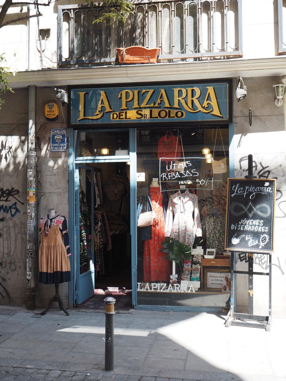 tiendas-ropa-madrid-originales-pizarra.JPG