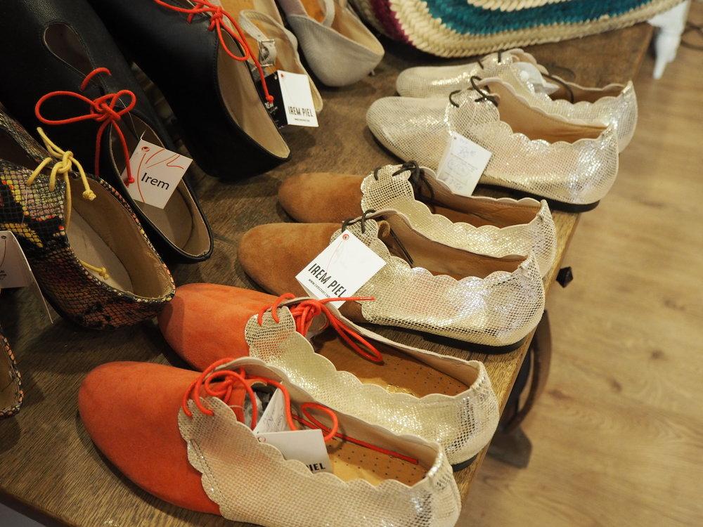tiendas-ropa-madrid-originales-pizarra-zapatos.JPG