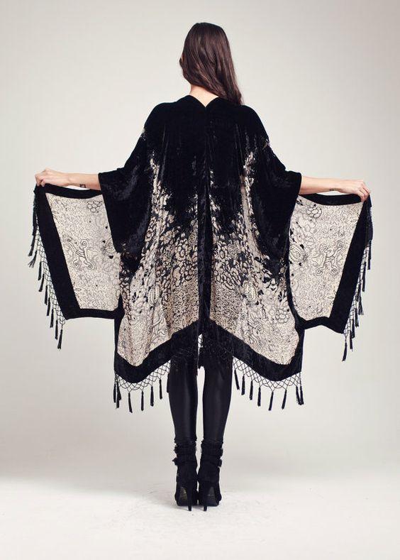 kimono-flecos-blanco-negro.jpg