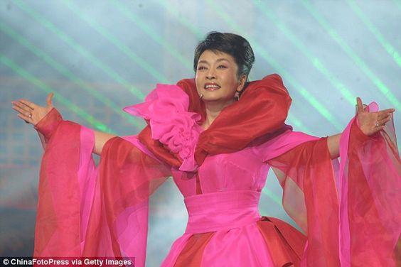 peng-liyuan-cantante.jpg