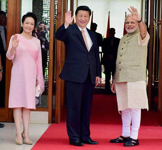 peng-liyuan-traje-rosa.jpg