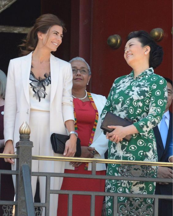 peng-liyuan-trajes.jpg