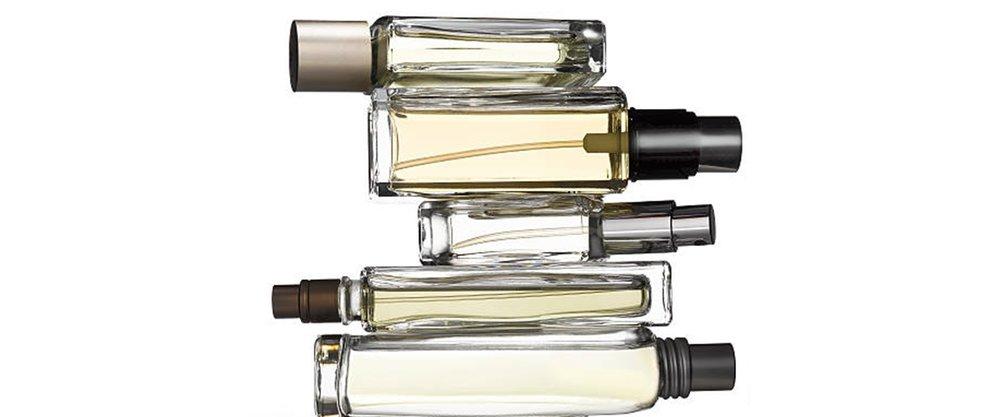 fragrance-bottles-picture-id138699392.jpg