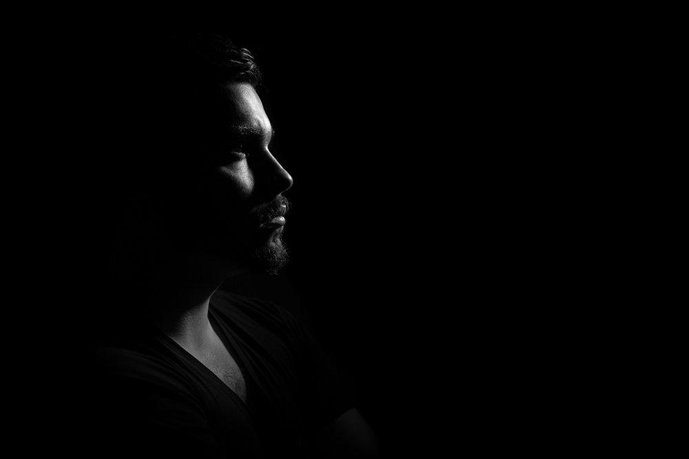man-studio-portrait-light-90764.jpeg