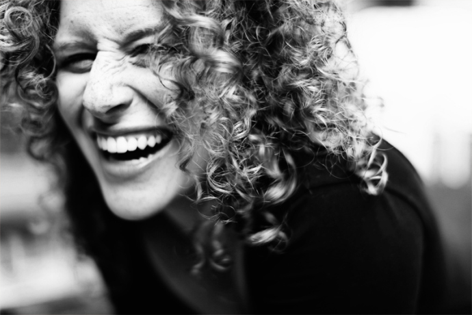 Thanks to Vanessa Hellmann (http://vanessamona.com/) for the beautiful B&W photo of Jacqueline Rocking her Curls.