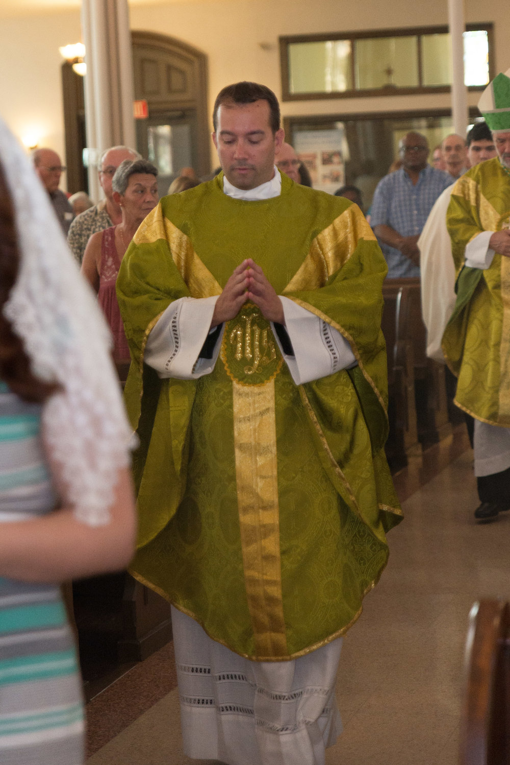 FR.-JAY-MELLO-INSTALLATION-MASS-3.jpg