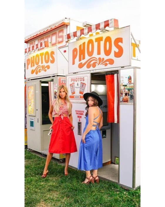 Why take a photo inside a photo booth when the outside is so dang cute!??? This was our first outfit of the day and I think the result was picture perfect 🤪. Such a fun experience with a group of talented ladies. Mmmm, now I want a corn dog. #fair #carnival #vintageclothing #vintagefashion #photography #photoshoot #styledshoot #redwhiteandblue #california  Wardrobe @fredandlulu  Photography @jamiedanno  Makeup @danielleleiperskincare  Modeling partner in crime and jewelry @billysky